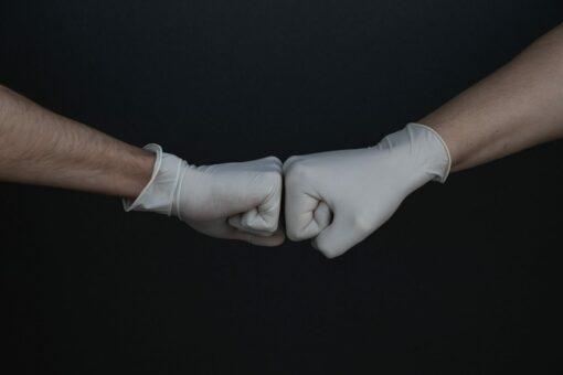 Einmalhandschuhe sind ein wirksamer Schutz gegen Infektionen