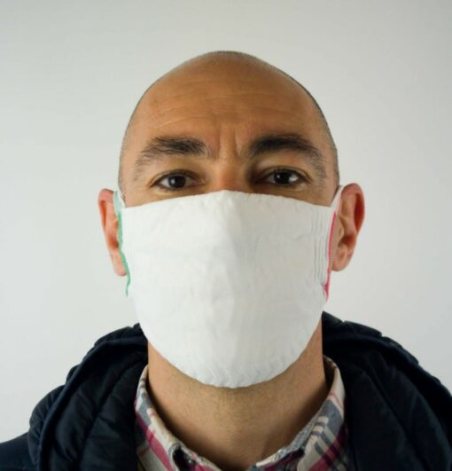 Mund- und Nasenmaske als Schutz während der Coronavirus-Pandemie