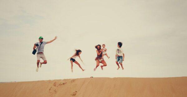 Sommerzeit, Urlaubszeit: Mit unseren Tipps kommen Sie nicht nur gesund durch den Sommer, sondern auch mit vielen Ideen zur Freizeitgestaltung.