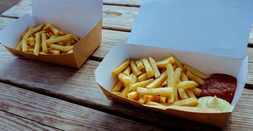 Fastfood kann den Säure-Basen-Haushalt durcheinander bringen.